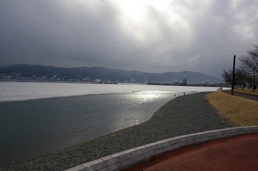 一ツ浜公園から岡谷市方面