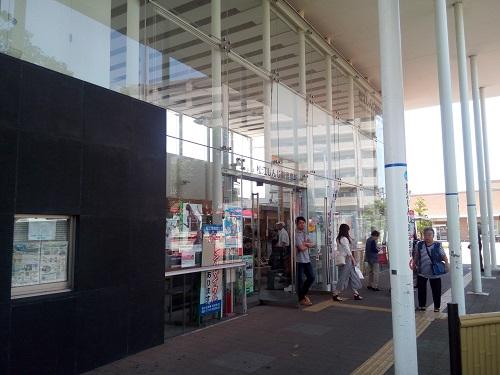 一時間ほどで松江しんじ湖温泉駅に到着。